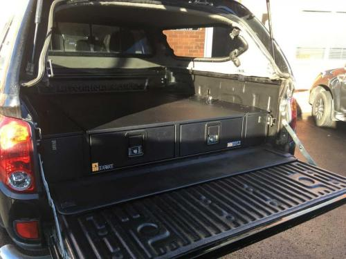 Mitsubishi L200 | Gearmate 226MM Twin Drawers & Infill Pods & Tailgate Gap Flap