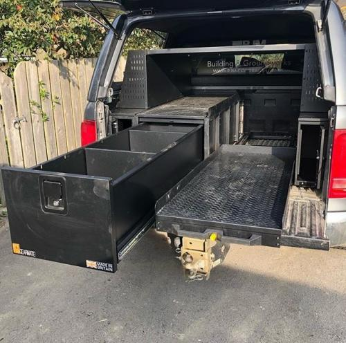 Volkswagen Amarok | Half drawer, half slide, front locking pods, racking