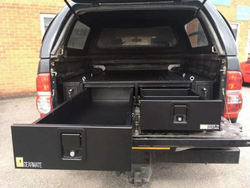Toyota Hilux | 226MM Twin Drawers & Infill Pods