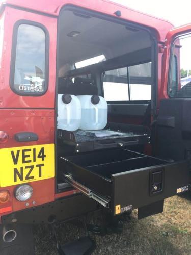 Land Rover Defender | Single Drawers & Gearslide